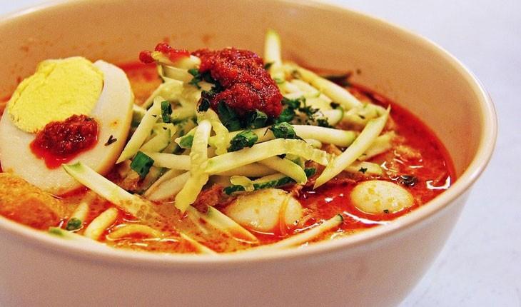 انواع مختلف لاکسا که می توانید در مالزی بخورید