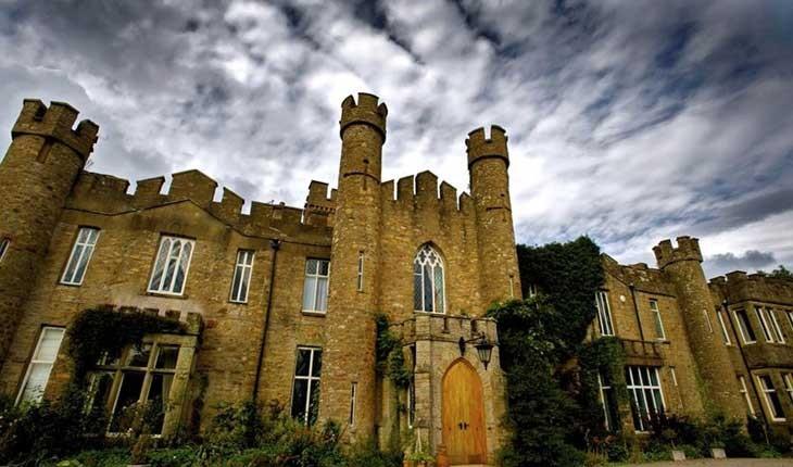 قصرهای افسانه ای که می توانید در آنها اقامت کنید 