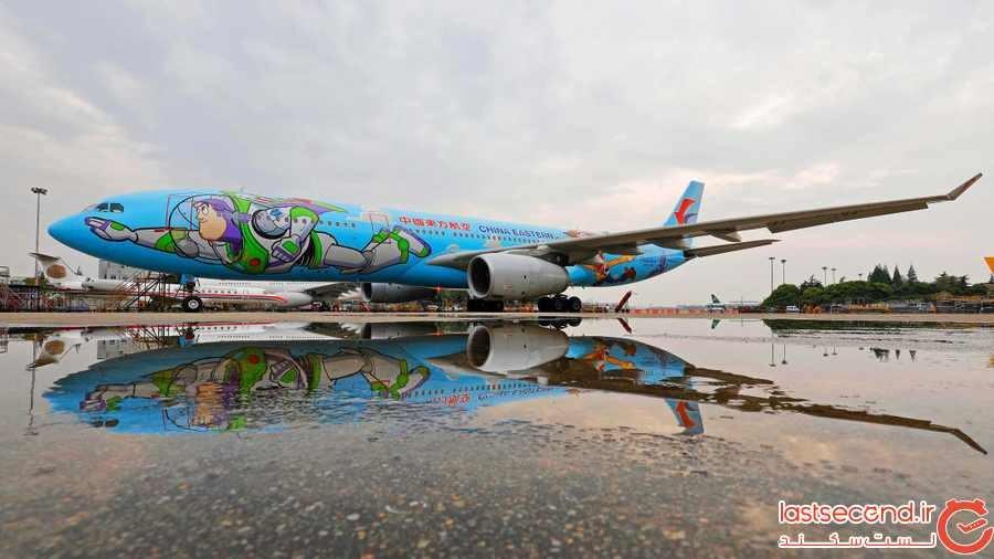 به بی نهایت و فراتر از آن: سفر با هواپیمایی با تم «داستان اسباب بازی ها»