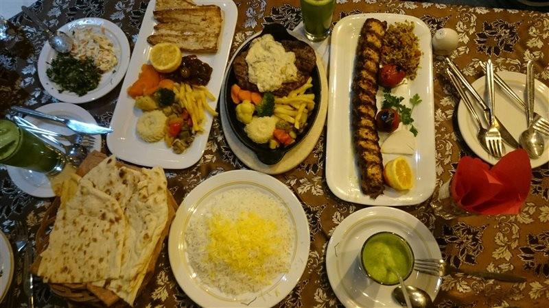 رستوران-صوفی-408688-همگردی.jpg