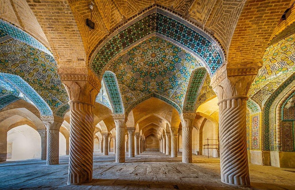 Vakil-mosque-shiraz-iran-4-1024x659.jpg