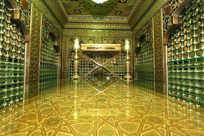 Shah-e-Cheragh (1).jpg