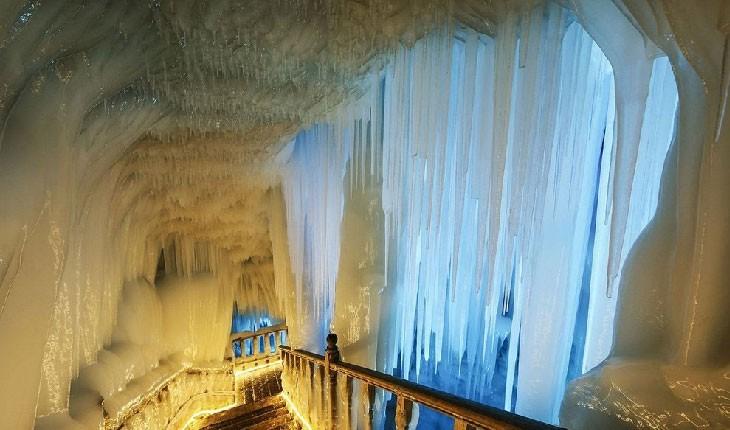 غارهای یخی که هرگز ذوب نمیشوند