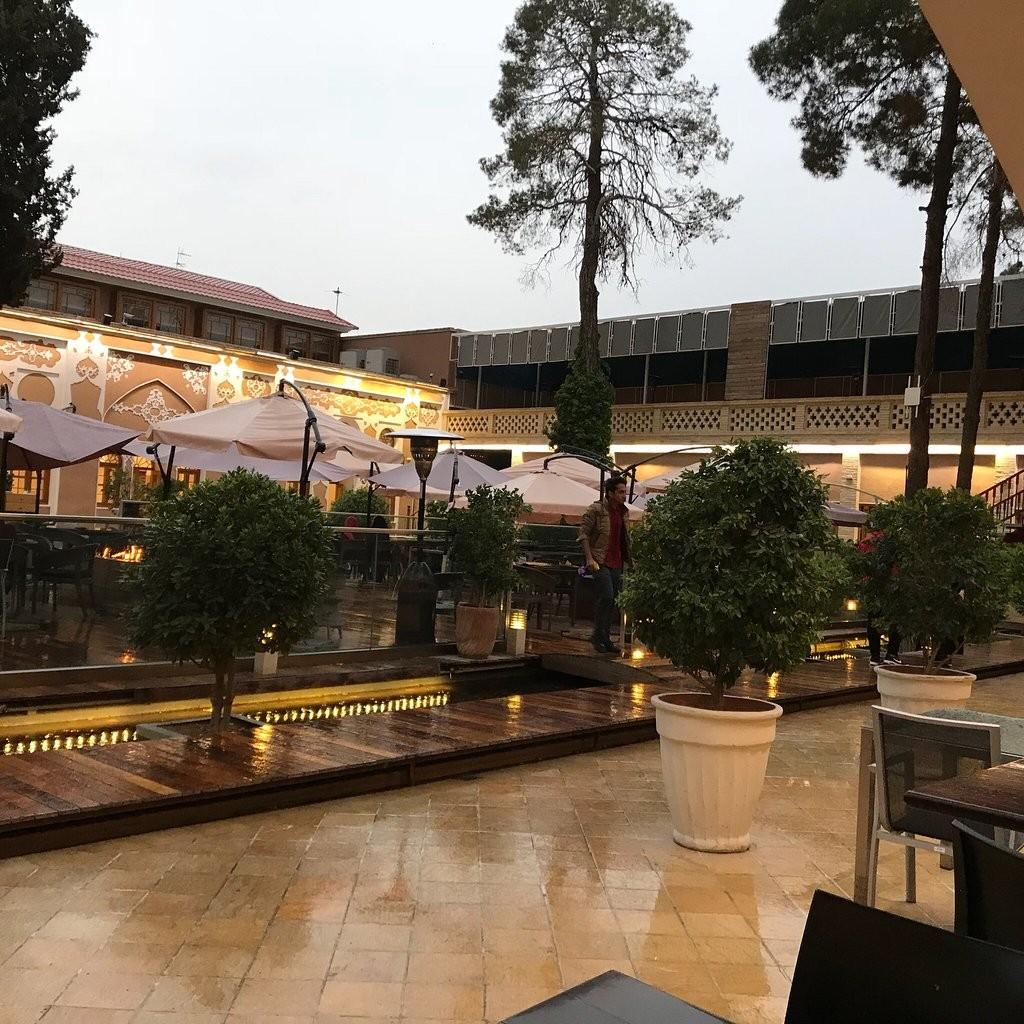 Arc A Restaurant (11).jpg