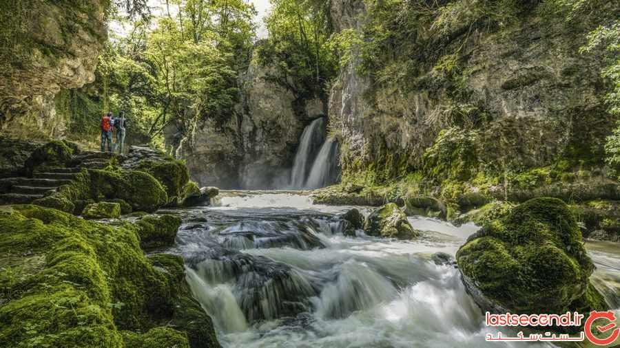 آبشارهای نوزون در سوییس