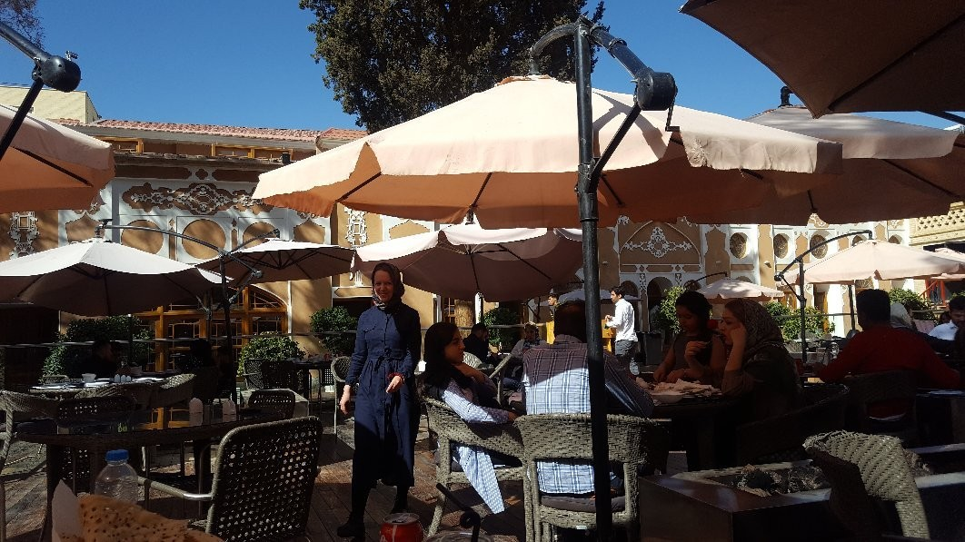 Arc A Restaurant (2).jpg