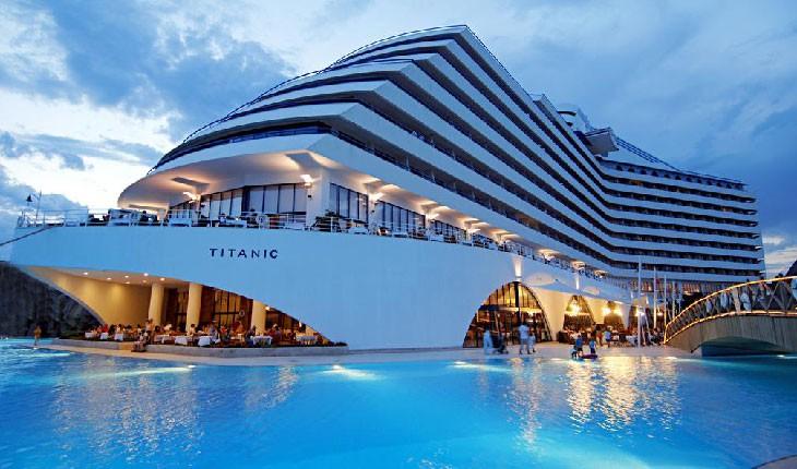 هتل تایتانیک (لارا) در آنتالیا + تصاویر