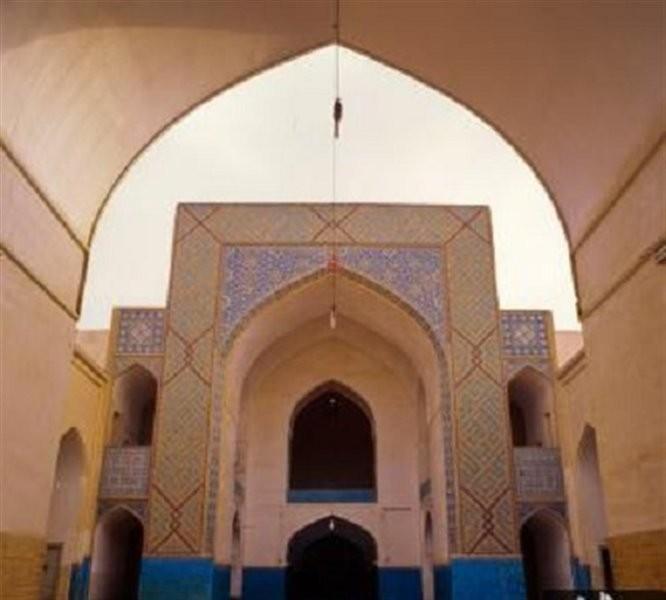 Amir Chakhmaq Complex (8).jpg