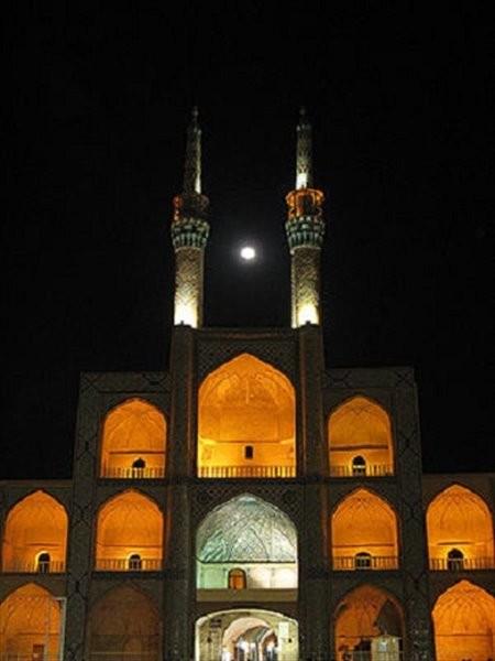 Amir Chakhmaq Complex (6).jpg