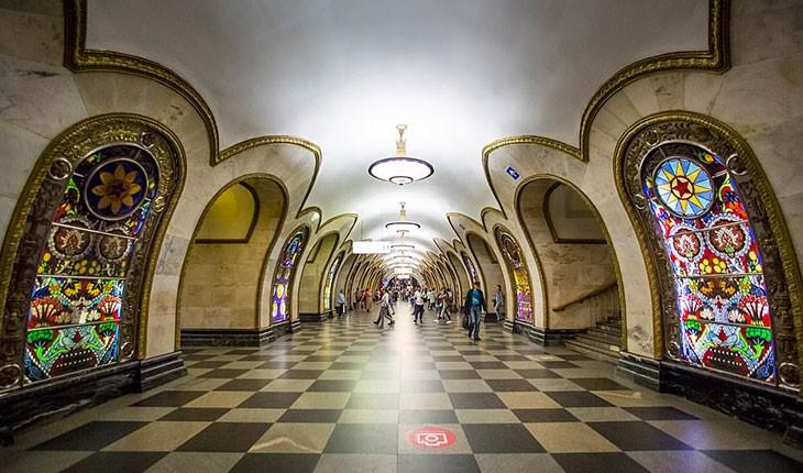 چه چیز در ایستگاه های متروی مسکو انتظار گردشگران را می کشد 