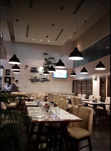 Lio Italian Restaurant (2).jpg
