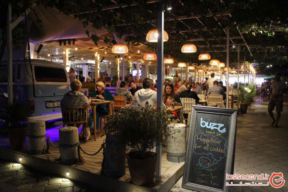 رستوران Buzz beach