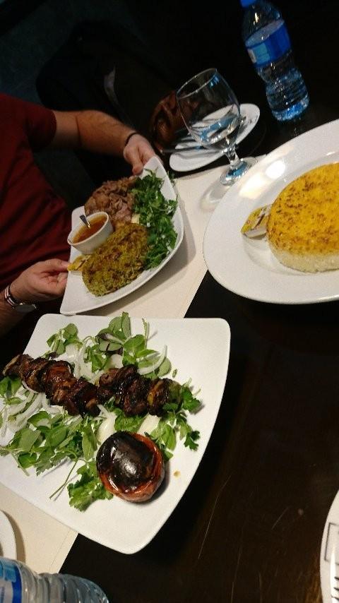 Mes Restaurant (4).jpg