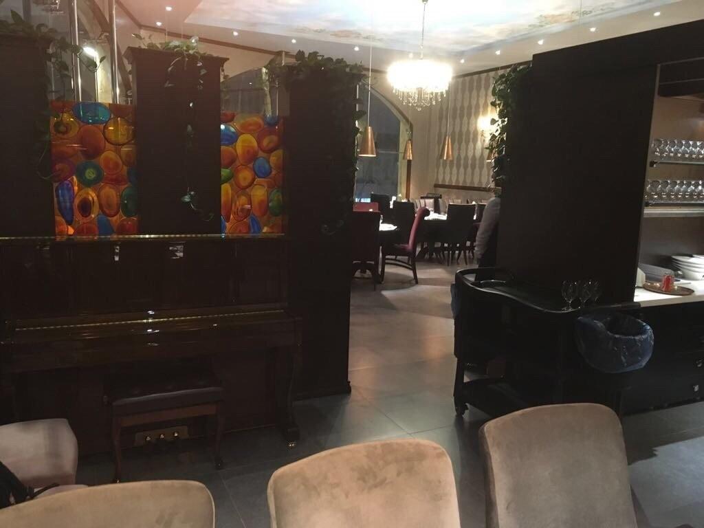 Mes Restaurant (13).jpg