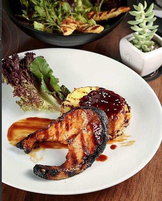 Gilaneh Restaurant (7).jpg
