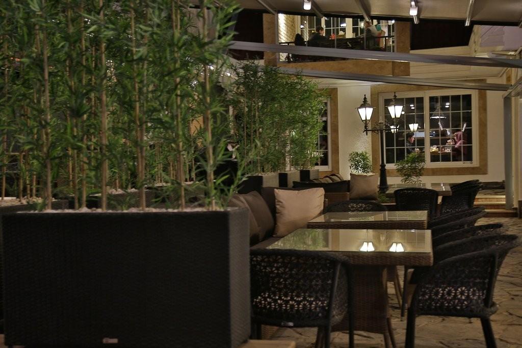 Gilaneh Restaurant (5).jpg