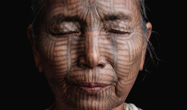 آخرین بازماندگان میانماری که سرتاسر بدنشان را خالکوبی کردهاند