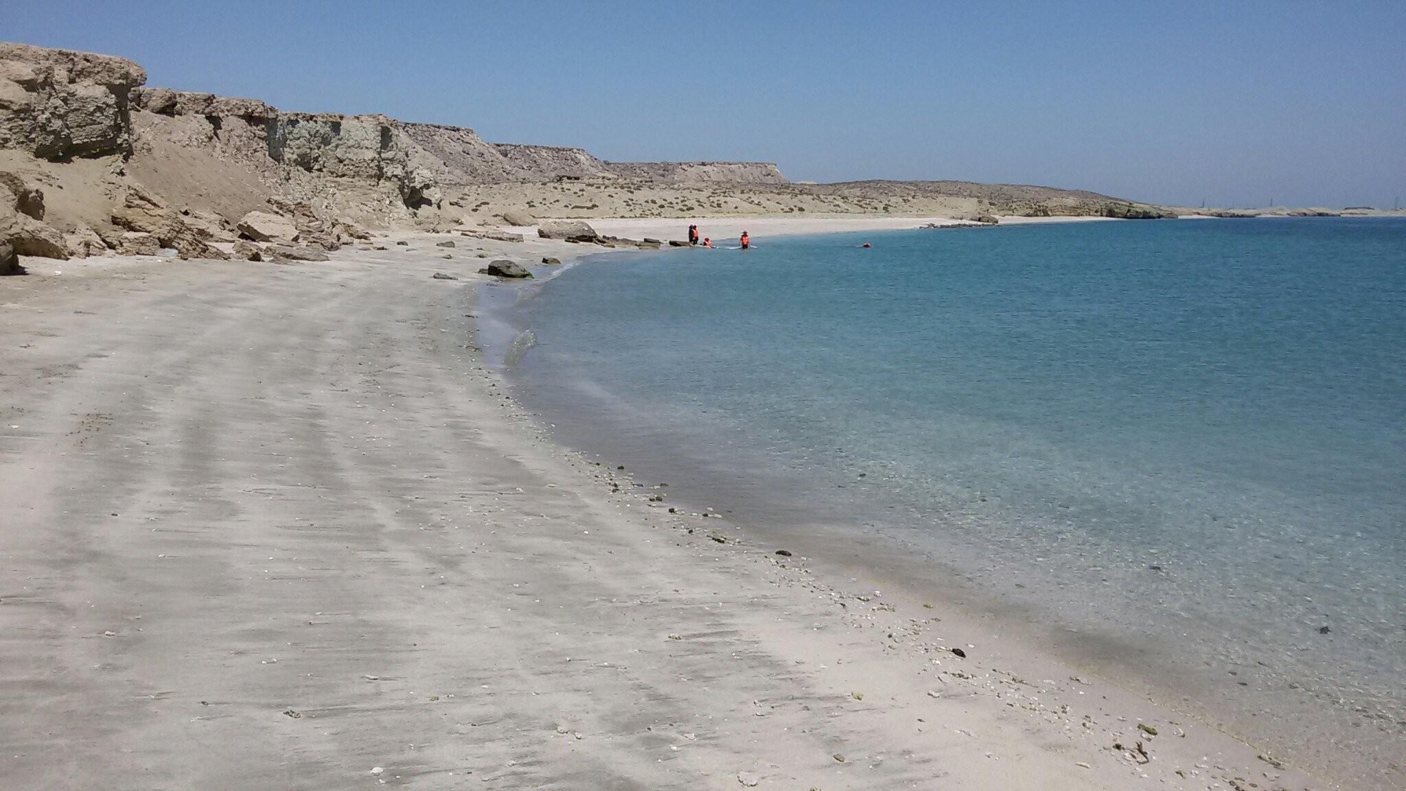 Hengam Island (1).jpg