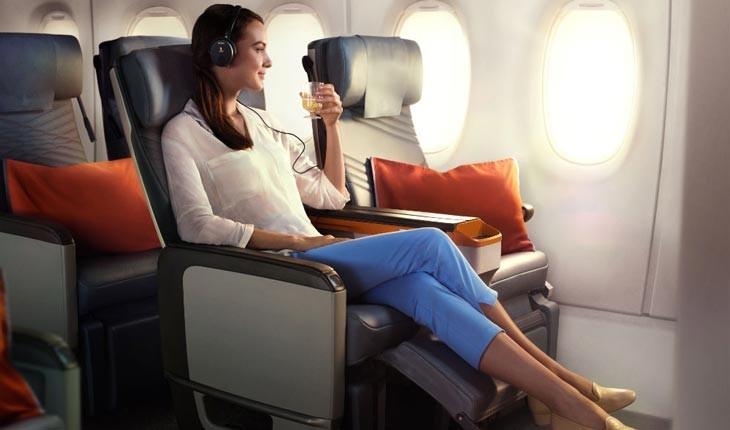 10 روش برای اینکه در پرواز اکونومی احساس فرست کلاس داشته باشید!