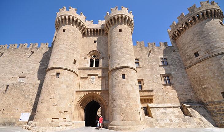 زیبا ترین قلعه های یونان