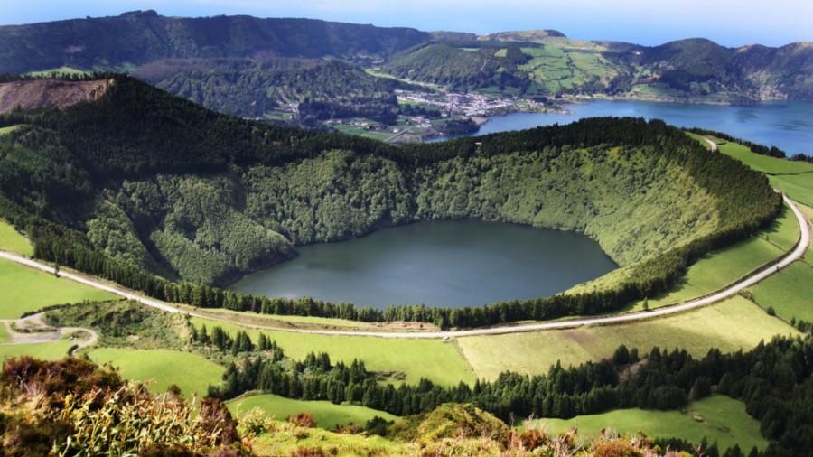 آزورز یکی از سبز ترین نقاط جهان در دل پرتغال