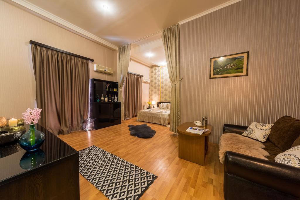 هتل گلد استار