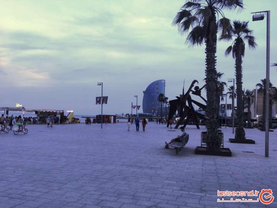 ساحل Barceloneta