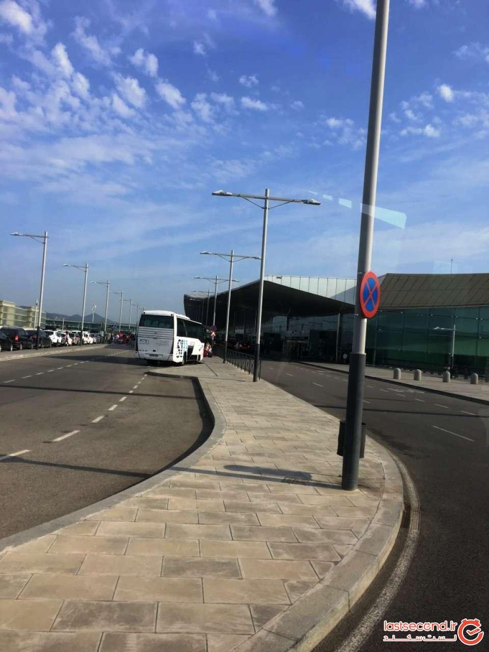 نمای بیرونی فرودگاه بارسلونا