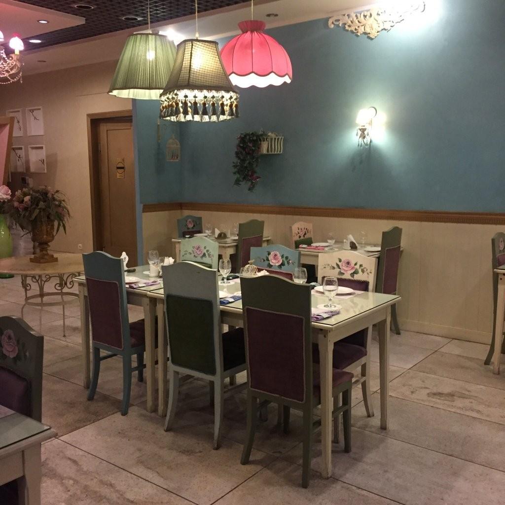 Royal Star Restaurant (8).jpg