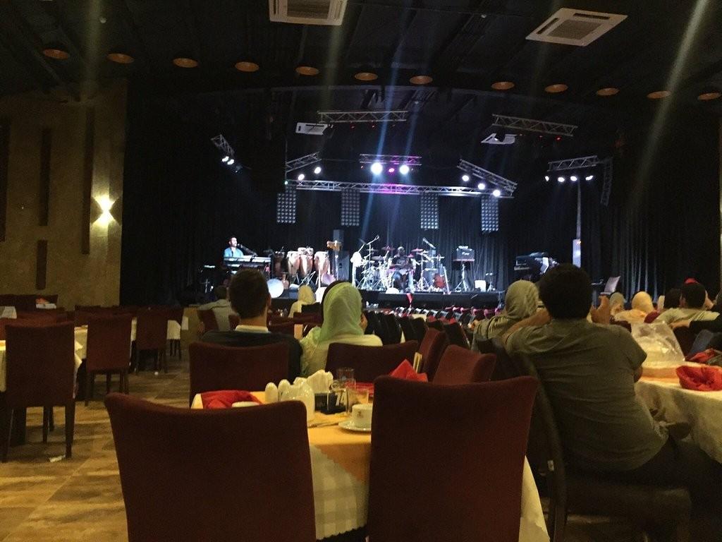 Shandiz Safdari Restaurant (4).jpg