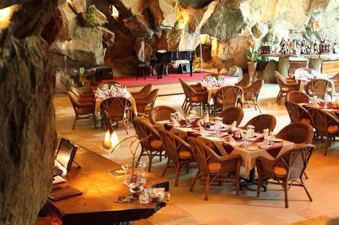 Koohe Nour Resturant (2).jpg