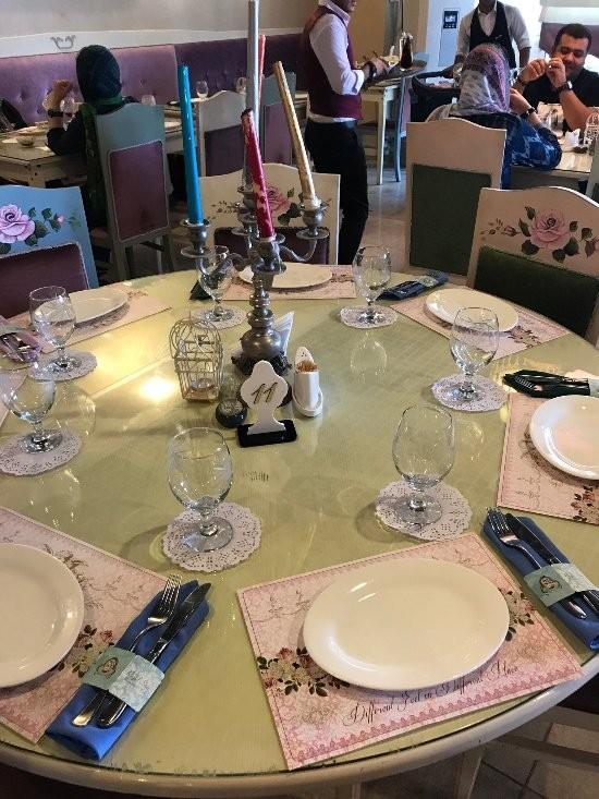 Royal Star Restaurant (10).jpg
