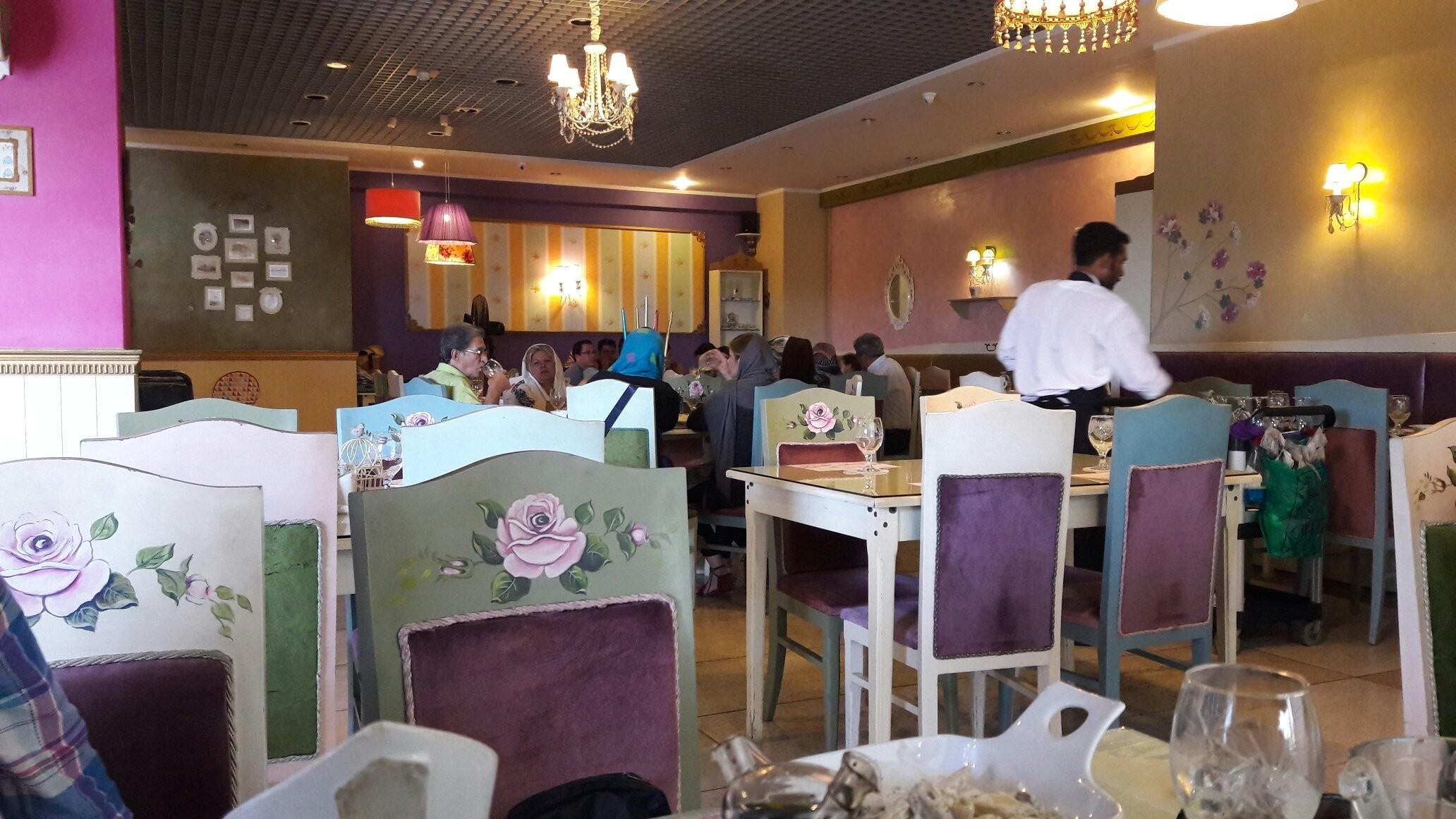 Royal Star Restaurant (9).jpg