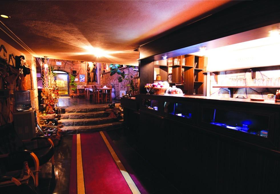 Shoumineh Restaurant (1).jpeg