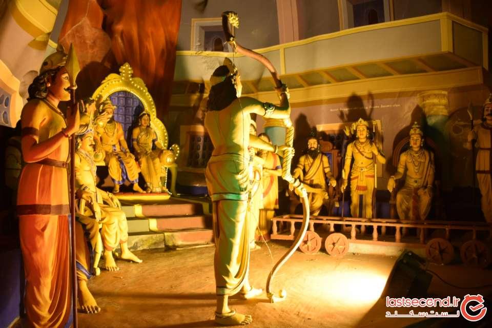 داخل معبد رامایانا