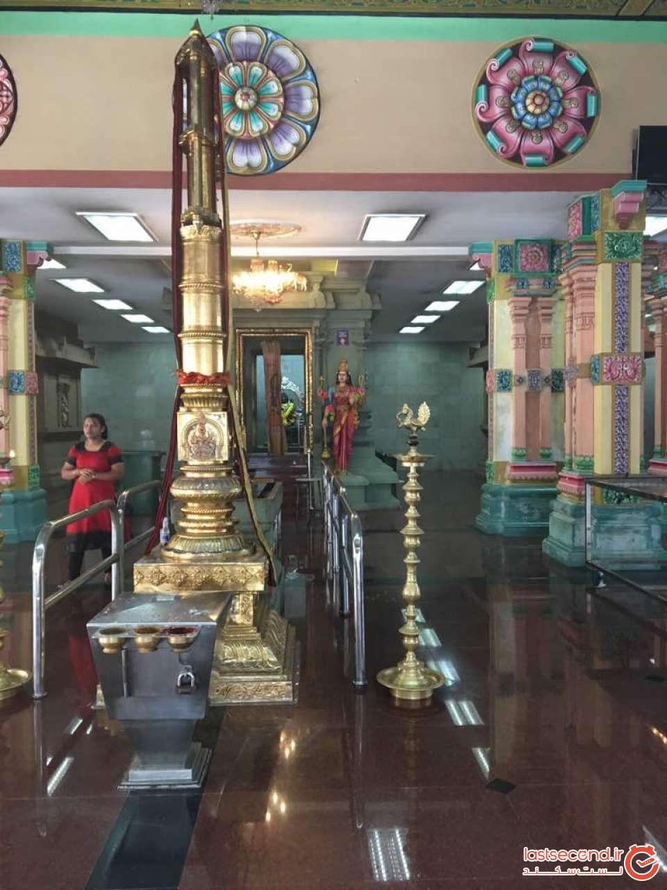 داخل معبد سری ماهاما