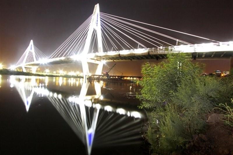 Ghadir Bridge Ahvaz (2).jpg