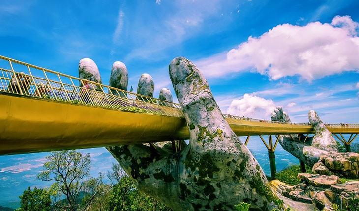 پل عظیم معروف به دستان خدا در ویتنام