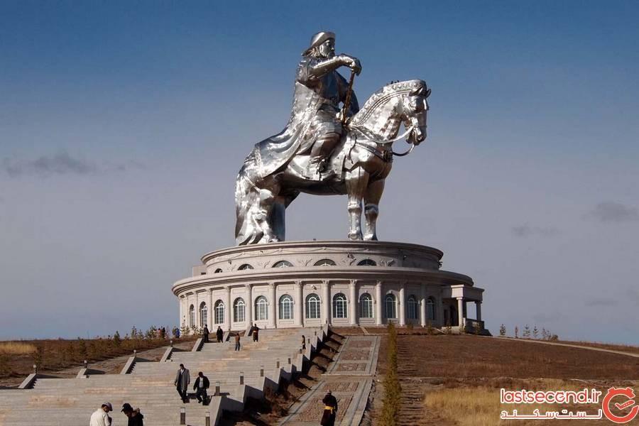 مجسمه سوارکاری چنگیز خان، مغولستان