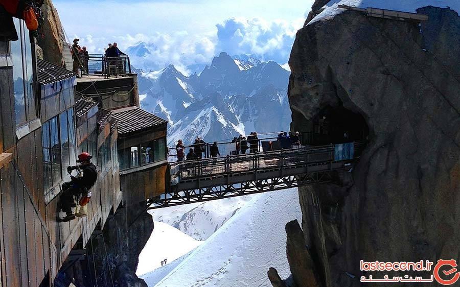 پل Aiguille du Midi در کوهستانهای آلپ فرانسه