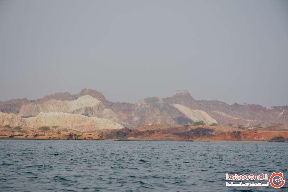 ساحل جزیره از درون قایق