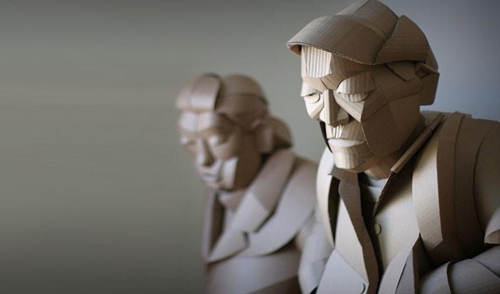 مجسمه های شگفت انگیز اهالی یک روستا از جنس مقوا