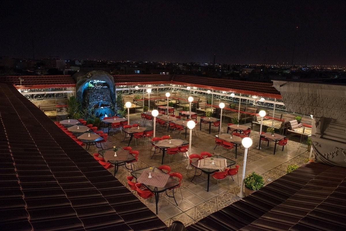 roof-restaurant-min.jpg