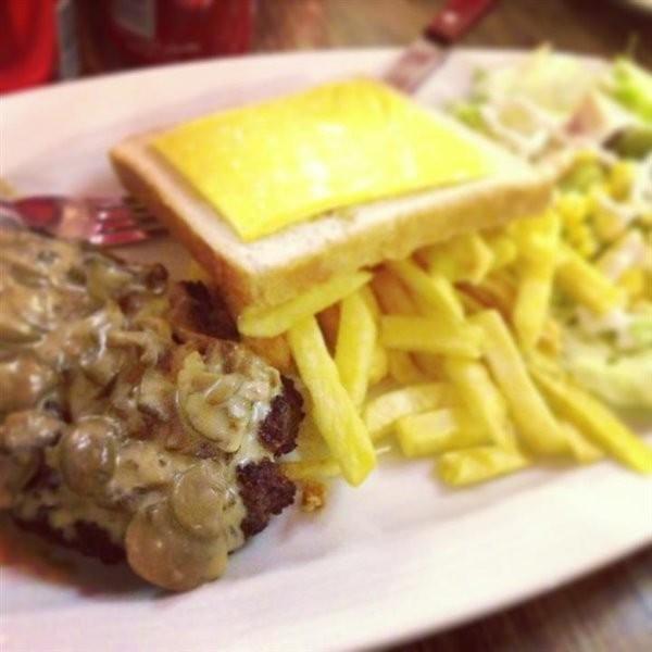 Patineh Fast Food (1).jpg