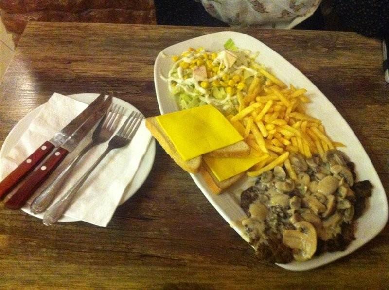 Patineh Fast Food (6).jpg