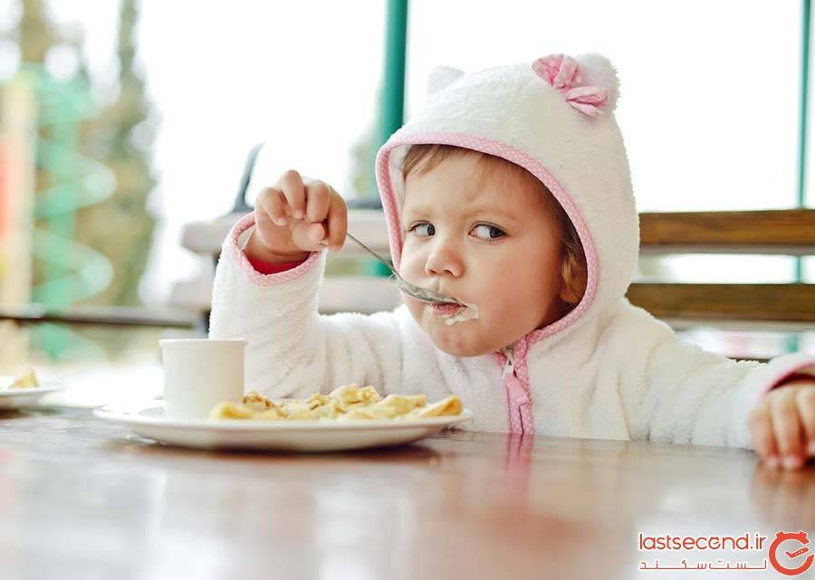 کودک در رستوران