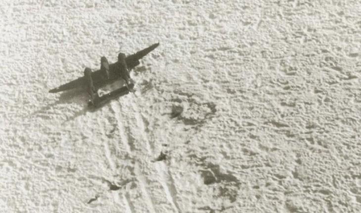 خروج هواپیمای جنگ جهانی دوم از یخچالهای گرینلند
