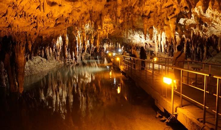 گردش در غار ۲۱ کیلومتری مارا در یونان