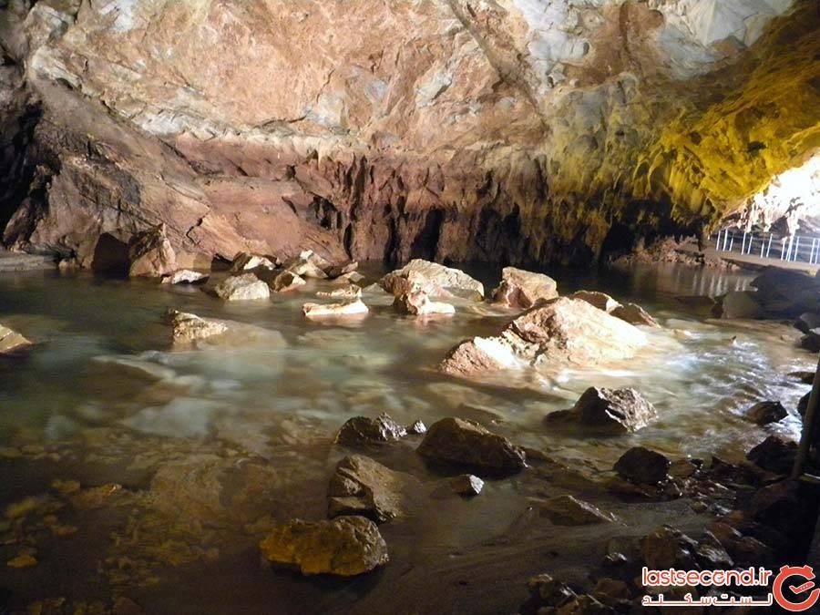 غار یونان