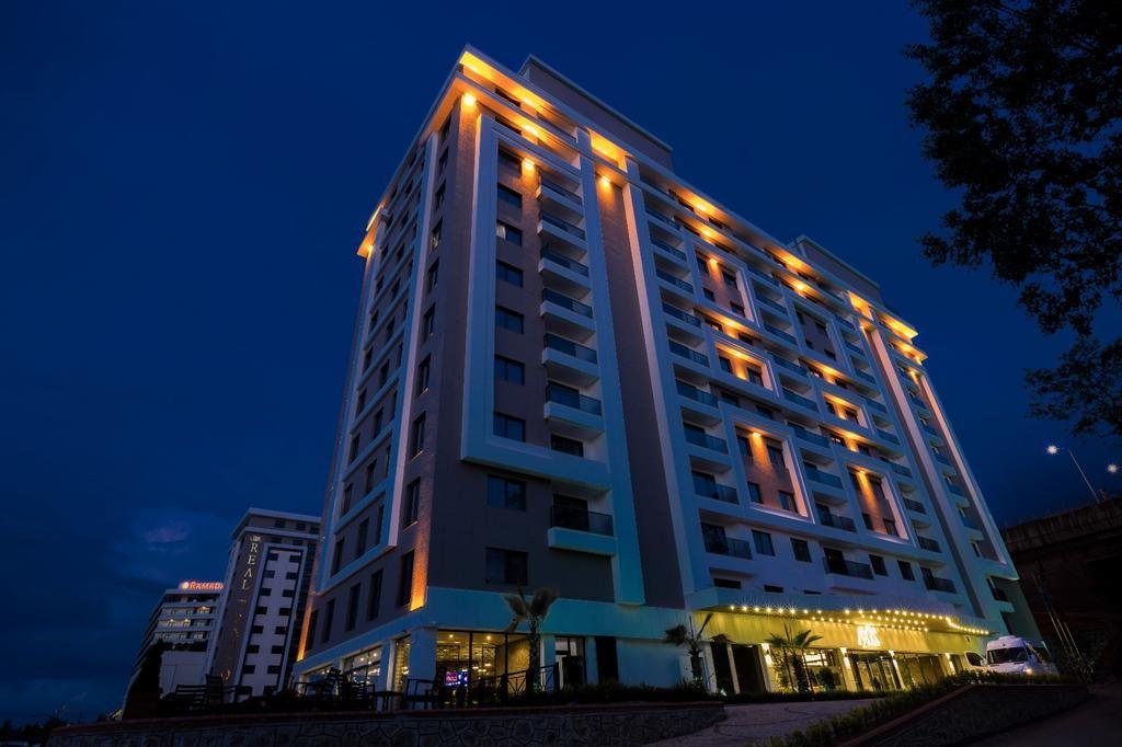هتل رویال اکسس سوئیتس